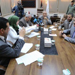أعضاء مجلس نواب بنغازي الكبرى يعقدون اجتماعا مع عميد البلدية لـ«معالجة المختنقات»