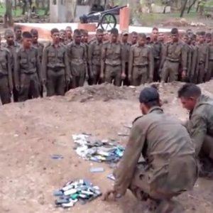 الهاتف النقال عدو الجيش الهندي