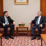 «السرّاج»  يجري محادثات مع رئيس حكومة الجزائر