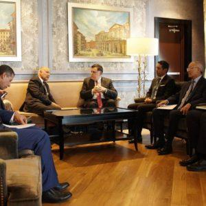 السراج يلتقي الأمين العام لجامعة الدول العربية في القاهرة