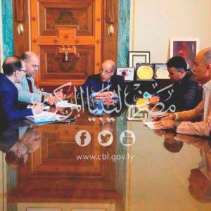 «الكبير» يجتمع مع رئيس منظومة بيع النقد الأجنبي لأرباب الأسر الليبية