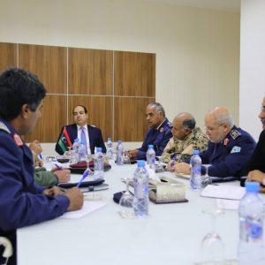 «معيتيق» يجتمع مع رئيس الأركان وعدد من القيادات العسكرية