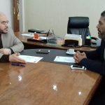 اجتماع مدير إدارة الرعاية الصحية الأولية بوزارة الصحة مع مدير إدارة الخدمات الصحية ببنغازي