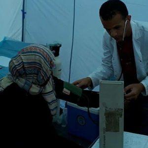 قافلة طبية تصل مُخيم «قرارة القطف»