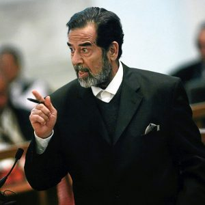 تفاصيل سرية جديدة يكشفها محامي صدام حسين عن عدم مقاومة صدام اثناء اعتقاله