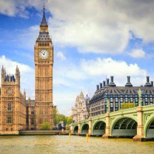 إضراب طواقم التدريس في عشرات الجامعات البريطانية