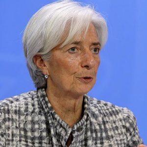 مديرة صندوق النقد الدولي تُقلل من تأثير التقلبات الحادة للأسواق العالمية
