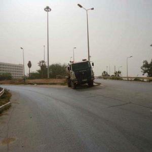 بلدية بنغازي تتابع أعمال صيانة شبكات المياه والصرف الصحي بمناطق المدينة