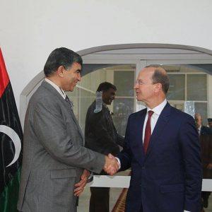 المندوب الأمني لبعثة الدعم في ليبيا يلتقي وزير الداخلية و يؤكد دعم البعثة لـ ليبيا