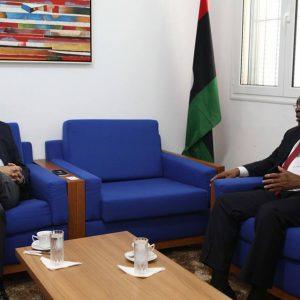 سلامة يلتقي سفير بوركينا فاسو ويبحث معه تعاون الاتحاد الأفريقي مع بعثة الأمم المتحدة