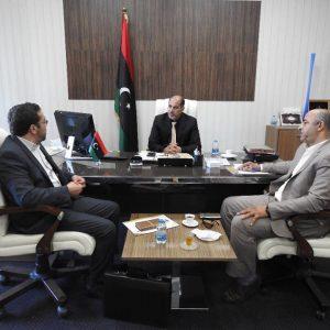 كاجمان يبحث مع وكيل وزارة المواصلات معالجة الإنجرافات بشبكة الطرق