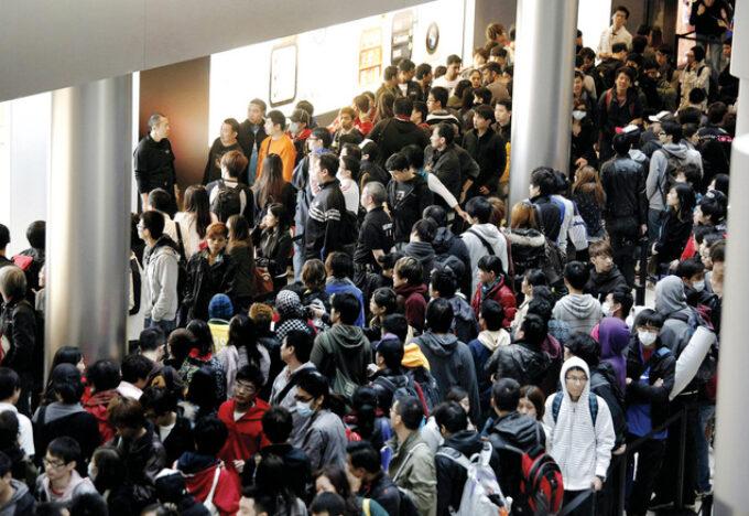 آي فون يثير فوضى في هونغ كونغ