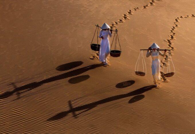 فتاتا الكثبان الرملية