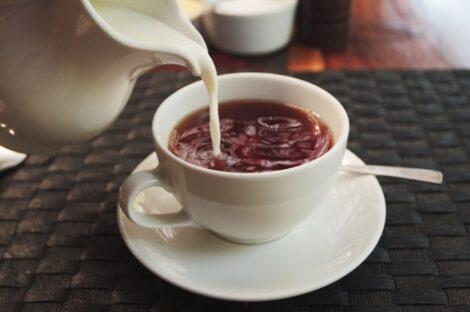 شاي-بحليب
