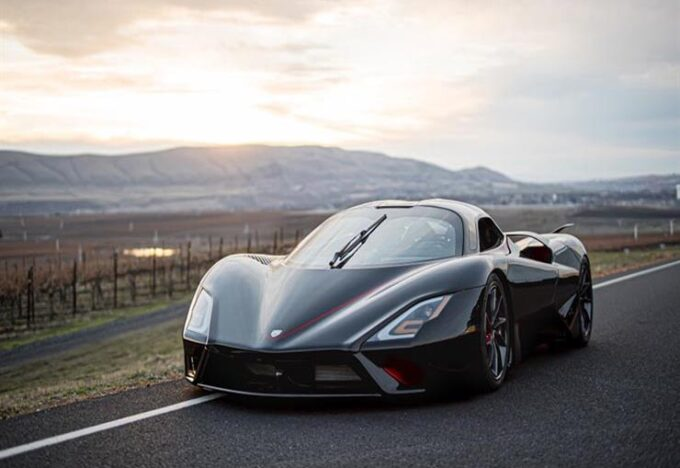 أميركا.. شركة تطلق أسرع سيارة هجينة في العالم