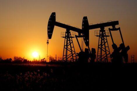 كورونا يهبط بأسعار النفط صوب أدنى مستوى منذ 2017