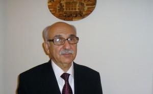 محمود الناكوع سفير ليبيا المتأمر على شعبه
