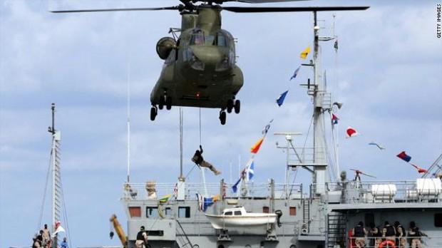 قواتنا البحرية تنفذ بكفاءة عالية مناورات بحرية