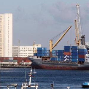 إنتاج النفط في ليبيا يقترب من الصفر