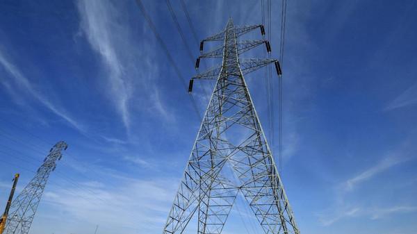توقيع عقد الربط الكهربائي بين السعودية ومصر