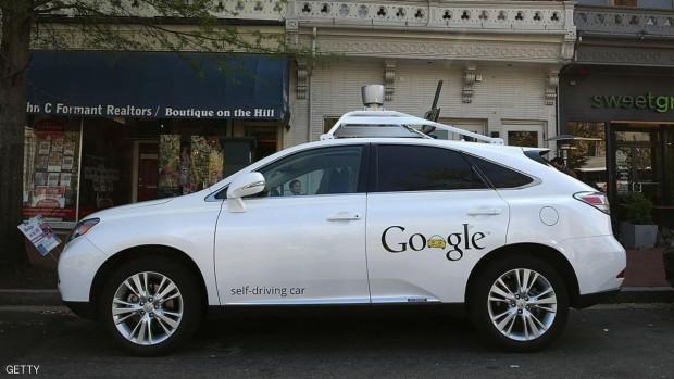 شركة غوغل طورت سيارة آلية القيادة