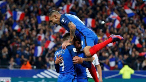 فرحة المنتخب الفرنسي لحظة تسجيل الهدف