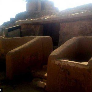 يعُود تاريخُها إلى 4500 عام ..افتتاحُ مقبرةِ بُناةِ الهرم الأكبر في الجيزة