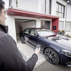 بريطانيا تُتيح لسائقيها قريباً صف سياراتهم عن بعد