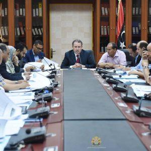 جامعة طرابلس تبحث إجراء امتحانات الشهادة الثانوية واستحداث كلية للشريعة