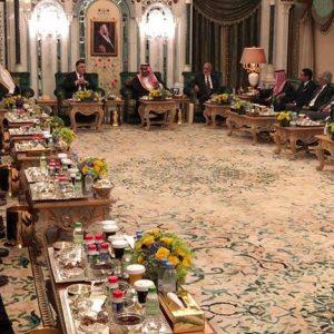 مأدبة إفطار يحضرها كبار مسؤولي السعودية احتفاءاً بالسراج
