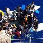قوات خفر السواحل الليبية تُنقذ أمس الجمعة 94 مهاجر غير شرعي بعد غرق قاربهم يحملون الجنسية السودانية والنيجرية والتشادية والمصرية كما انتشلت 5 جثث قبالة القره بوللي في عملية الإنقاذ الخامسة خلال 3 أيام.