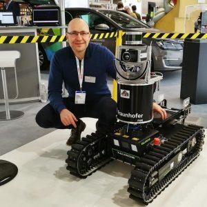 علماء سويديين يُطورون روبوتاً لإنقاذ البشر في حالات الكوارث والحرائق