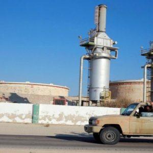 خاص بـ«عين ليبيا»: رسالة أمريكية وصلت لـ حفتر أمرته بالخروج من الموانئ النفطية