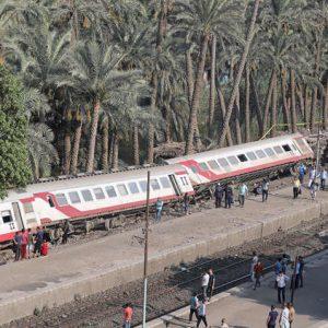 58 مصاباً في انقلاب قطار في مصر والنيابة العامة تتحفظ على الصندوق الأسود