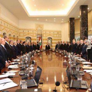 أصابع الاتهام تتجه صوب السعودية وأمريكا في عرقلة تشكيل حكومة لبنانية