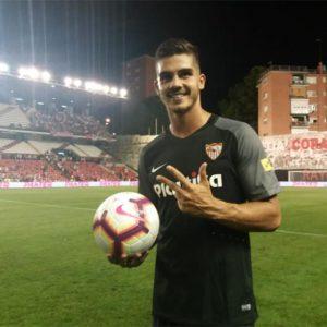 البرتغالي «أندريه سيلفا» أكبر المنتصرين في الجولة الأولى من الدوريات الأوروبية