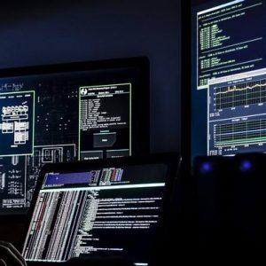 لتفادي الهجمات الإلكترونية.. آلاسكا تعود إلى الماضي