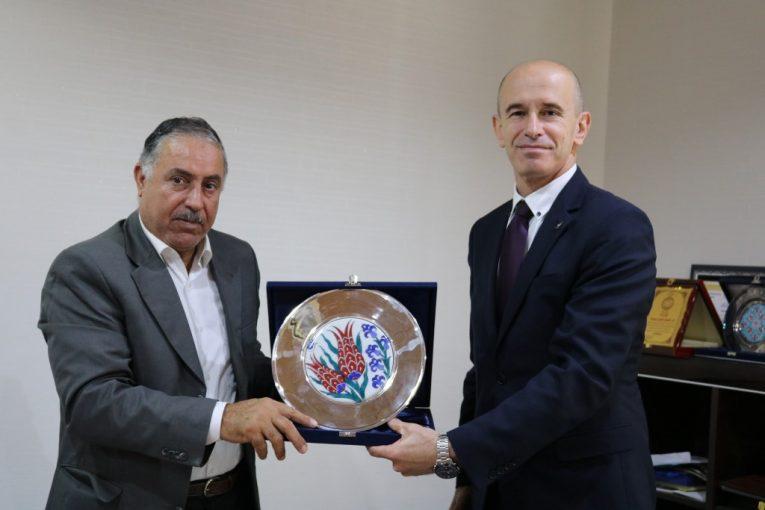 عميد بلدية مصراتة مع القنصل التركي