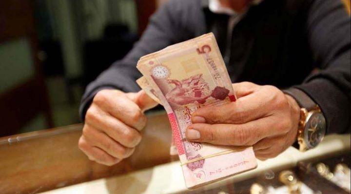 العملات الأجنبية تنخفض إلى أدنى مستوى لها خلال 2018 في السوق الموازي