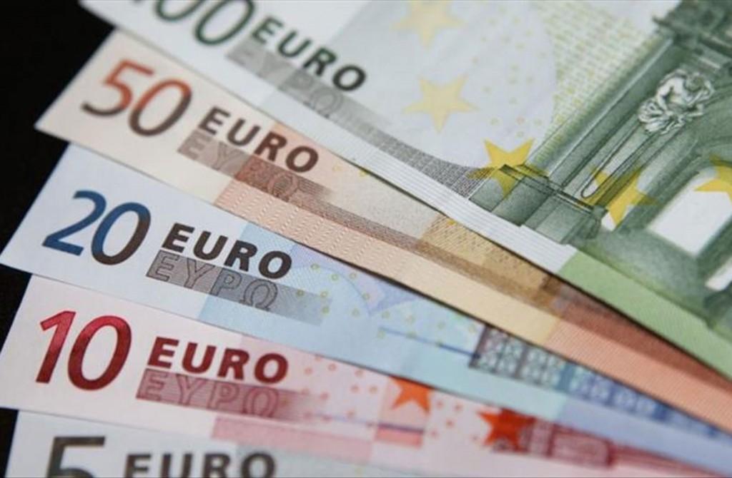 اقتراح أوروبي لتعزيز دور اليورو على المسرح العالمي