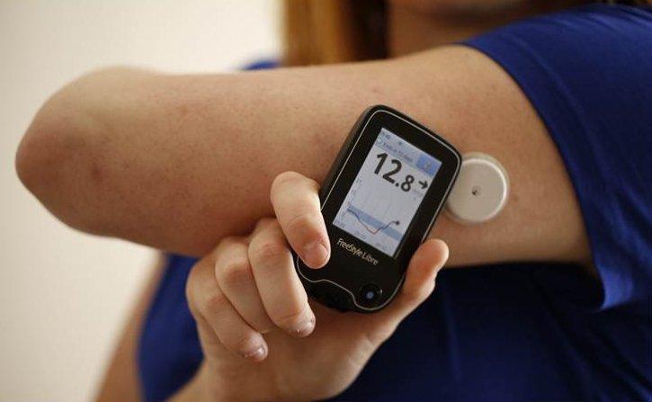 تطبيقات أجهزة تكنولوجيا النانو لقياس سكر الدم بدون وخز الإبر