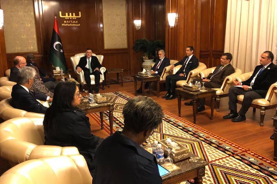 خلال لقائه وفد الاتحاد الأفريقي.. «السراج» يبحث مبادرة التكتل للمصالحة الوطنية في ليبيا