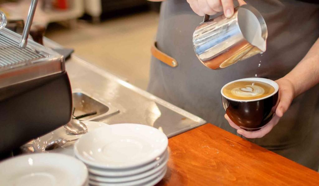 القهوة تزيد من حركة العضلات في الأمعاء وتقمع البكتيريا