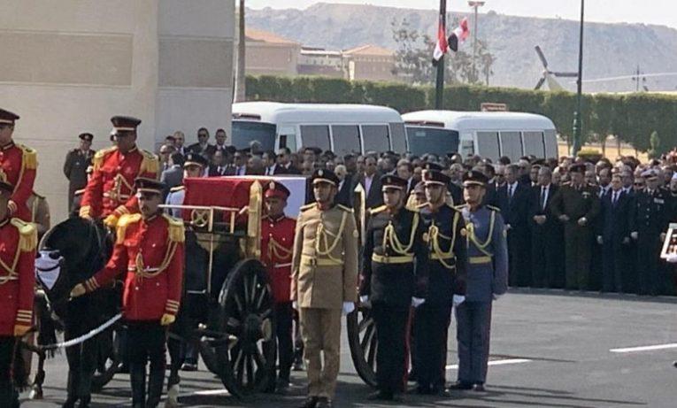 مصري ينتحر بعد مشاهدة جنازة مبارك
