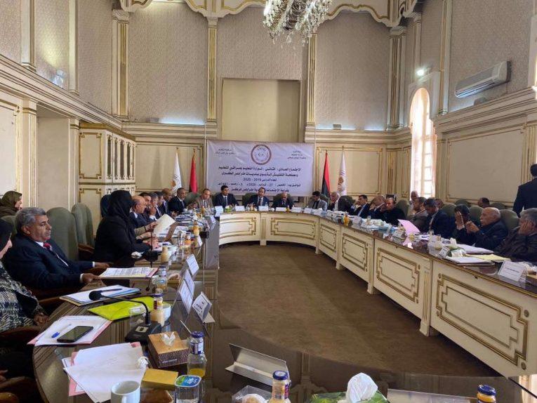 تعليم الوفاق تستعرض سير العملية التعليمية ببلديات طرابلس الكبرى