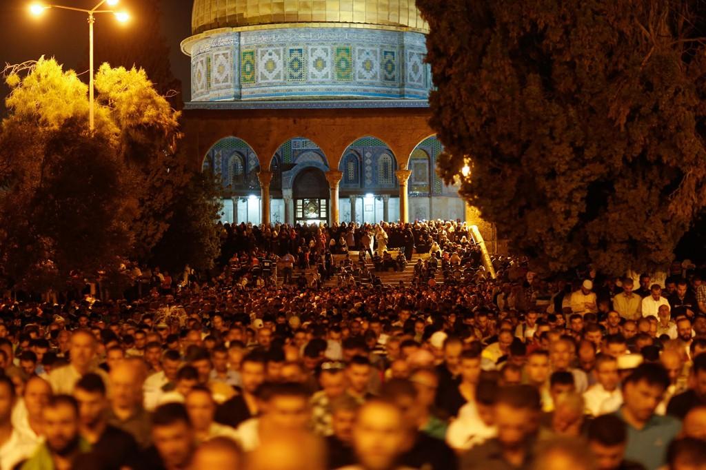 بسبب كورونا.. تعليق دخول المصلين إلى المسجد الأقصى المبارك