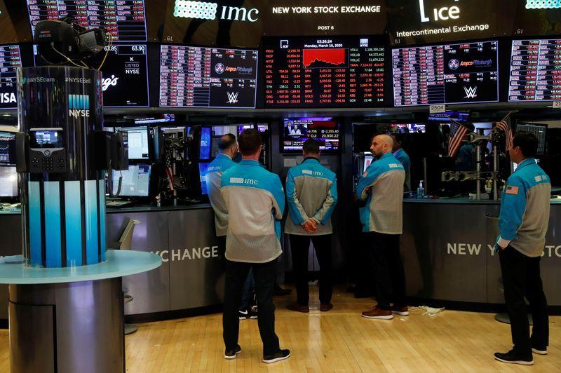 «كورونا» تسبب انهيار في الأسهم الأمريكية
