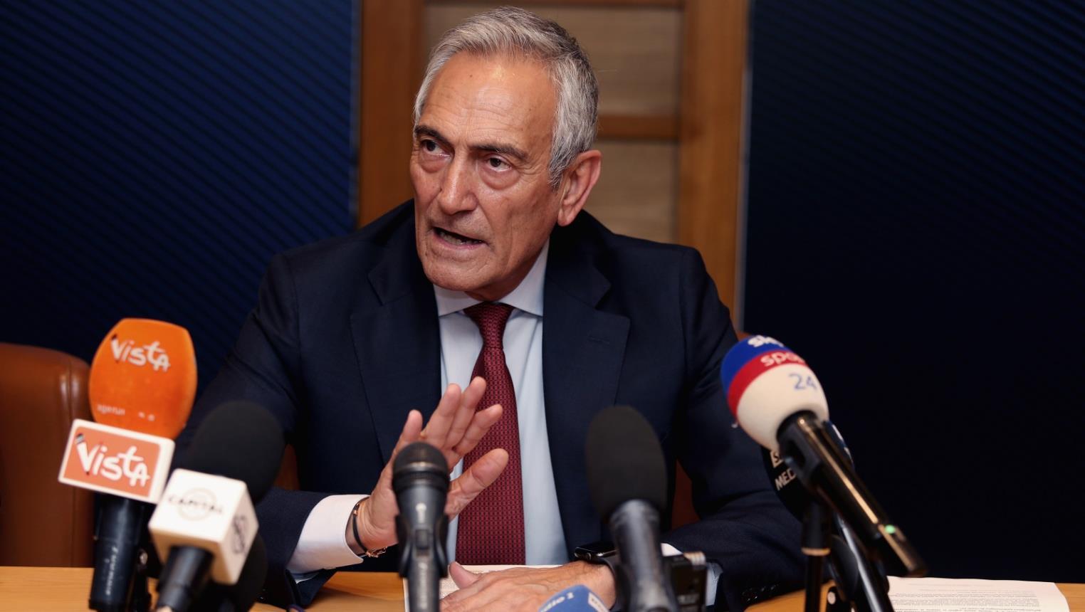 رئيس الاتحاد الإيطالي يلمح إلى إمكانية استمرار «الكالتشيو» حتى أكتوبر