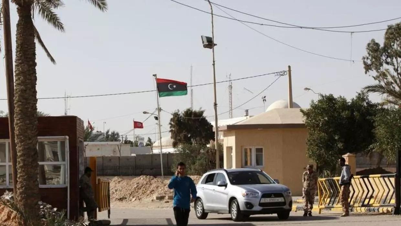 وزارة النقل التونسية تضع إجراءات لتأمين المبادلات التجارية مع ليبيا