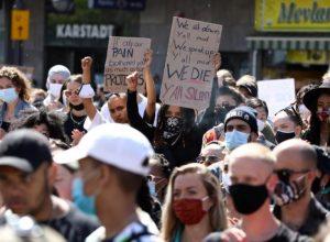تواصل المظاهرات في المدن الأمريكية ضد العنصرية